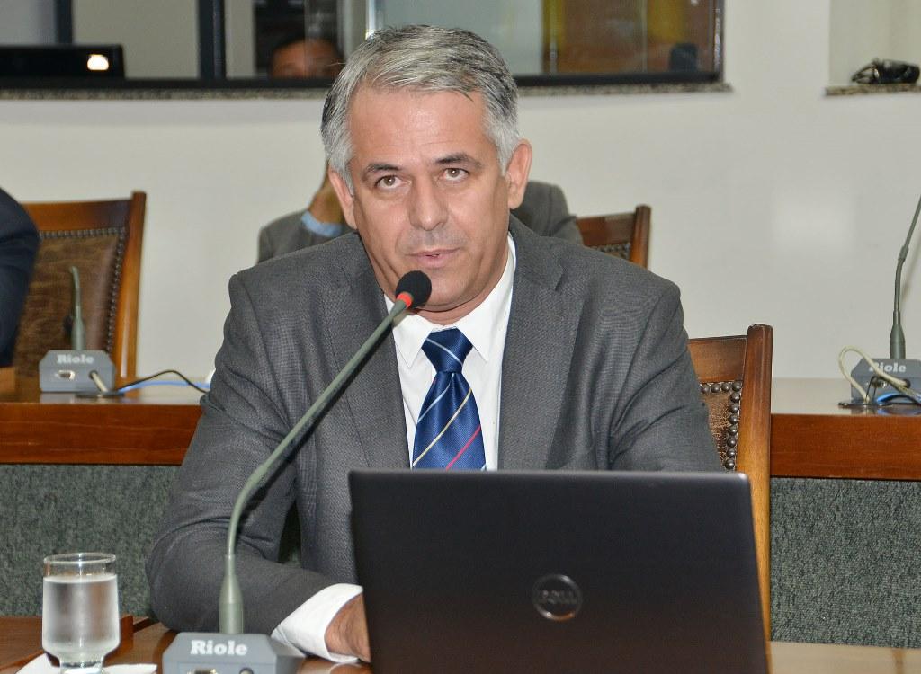 Moção de aplauso de Jaime Café parabeniza técnico do time de futebol de Colméia por título no Estadual Amador