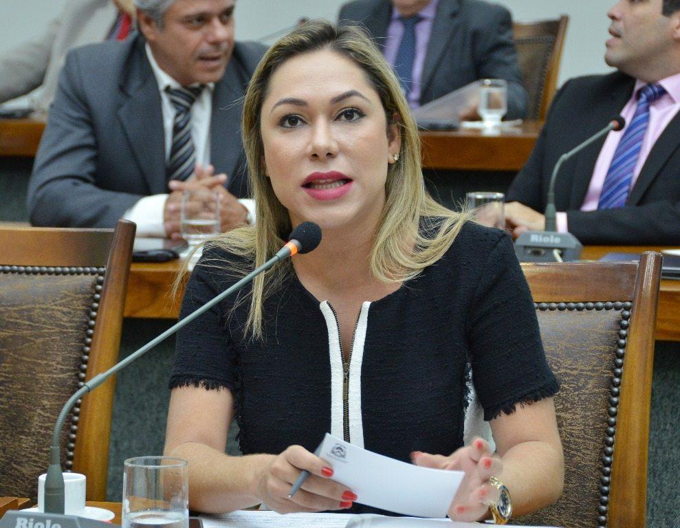 Luana Ribeiro é a favor da contratação de empréstimo de R$ 600 milhões pelo Governo do Estado