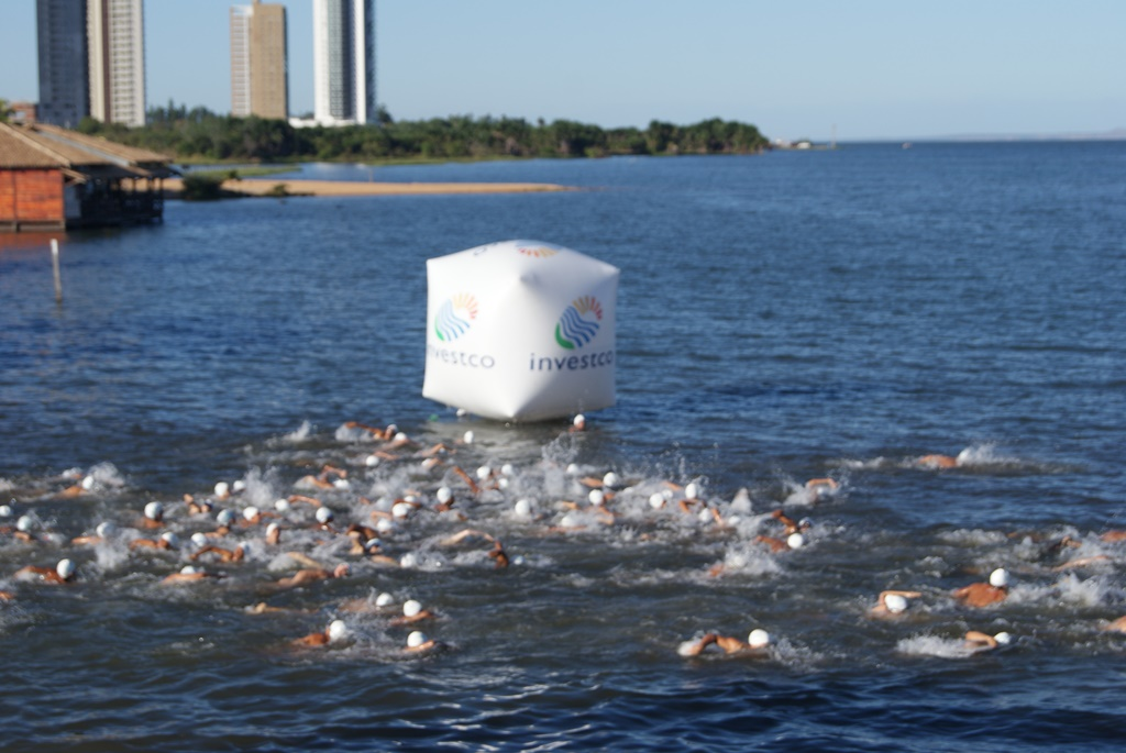 Travessia no Lago marca 1º fim de semana de competições da Semana dos Bombeiros