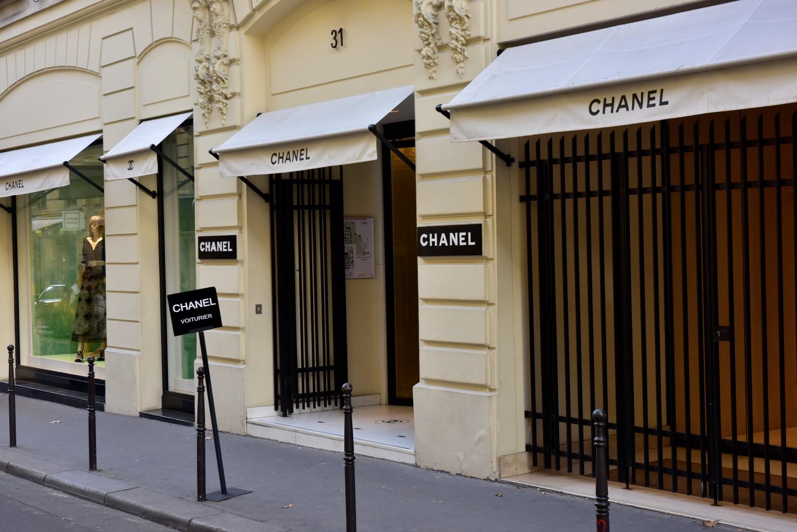 """As Maison Dior e Chanel de Paris abrem suas portas para o fotografo e """"Coolhunter"""" Yuri Graneiro"""