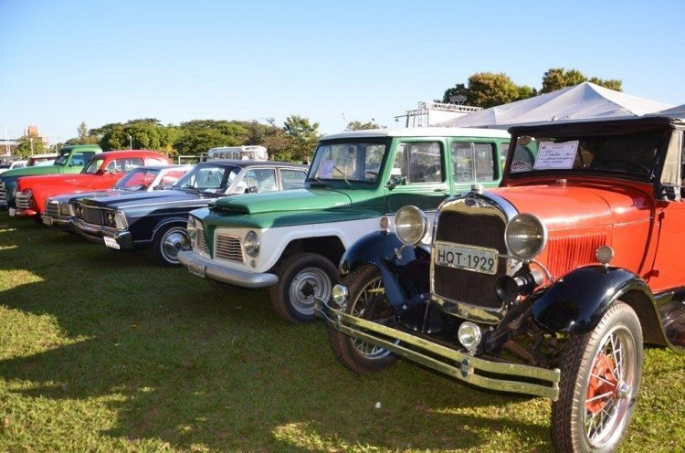 2º encontro de carros antigos acontece neste final de semana na praia da Graciosa