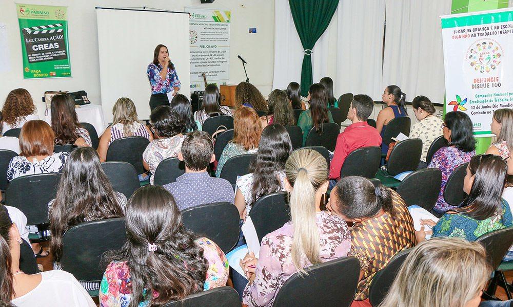 Oficinas regionalizadas capacitam municípios sobre planos do Sistema Único de Assistência Social