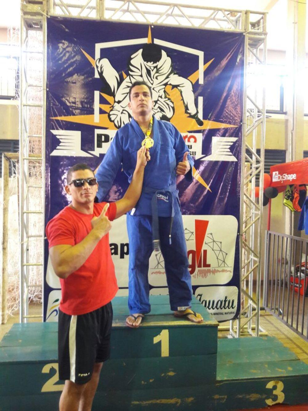 """Projeto da PM """"Dojo de Ouro"""" conquista 03 medalhas de ouro no campeonato Palmas Pro de Jiu-jitsu"""