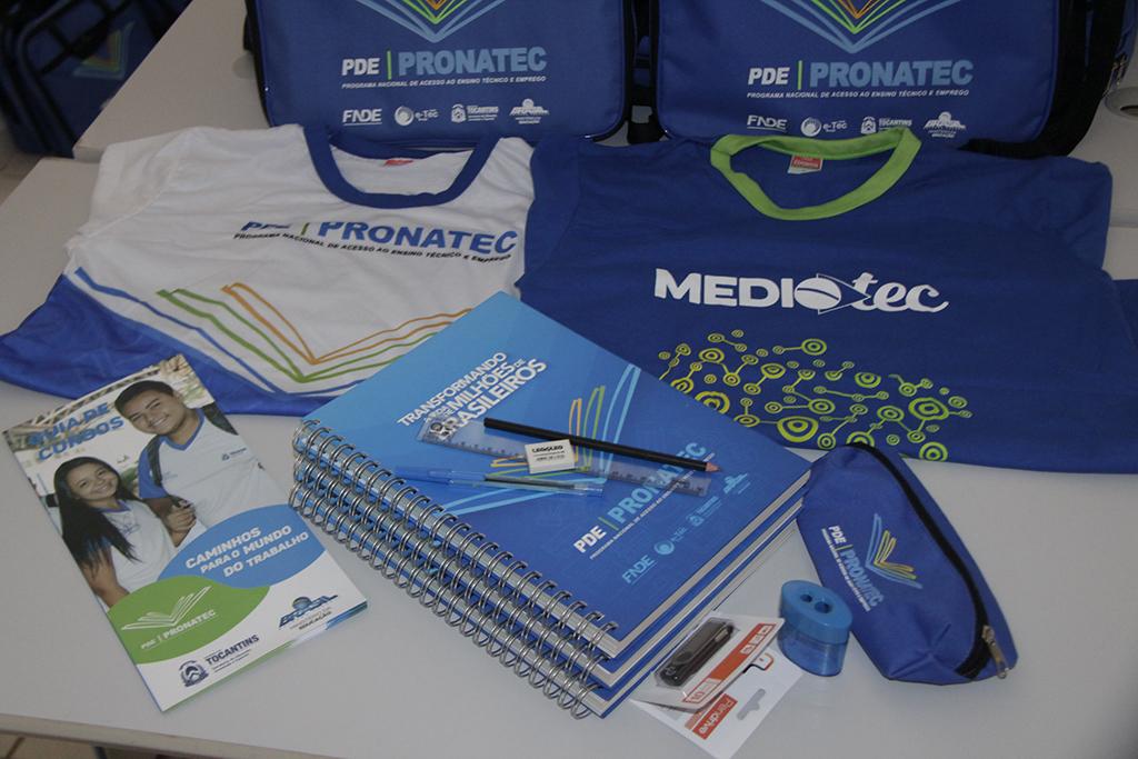 Educação dá início às aulas inaugurais do Pronatec com distribuição de material pedagógico