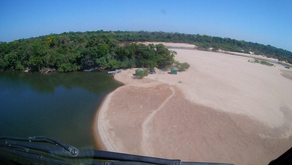 Parque Estadual do Cantão combate focos de incêndio com apoio de aeronaves do Naturatins e da Segurança Pública