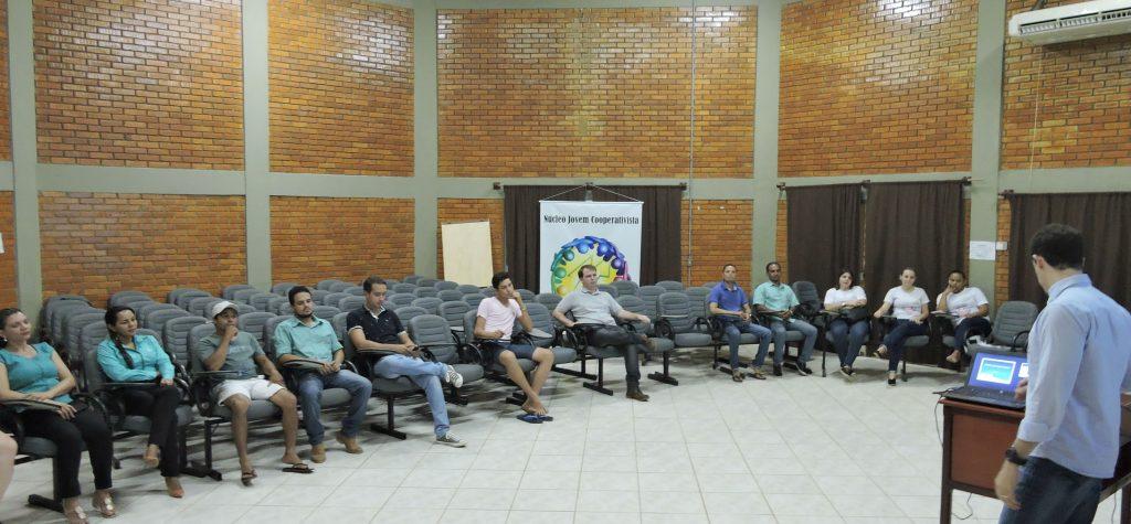 Cooperativismo é tema de palestra ministrada em Pedro Afonso