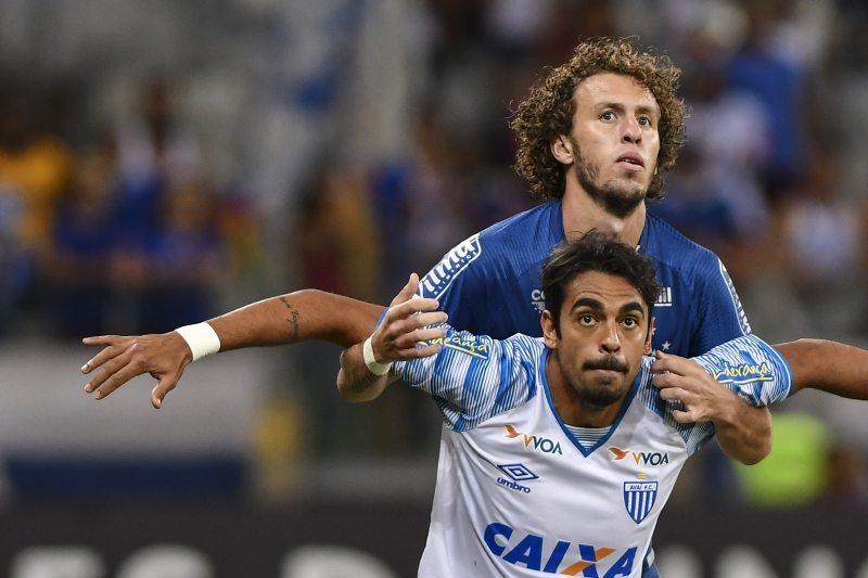 Após fazer o Cruzeiro sua principal vítima da carreira, Junior Dutra chega a 50 jogos pelo Avaí e projeta duelo diante do Palmeiras