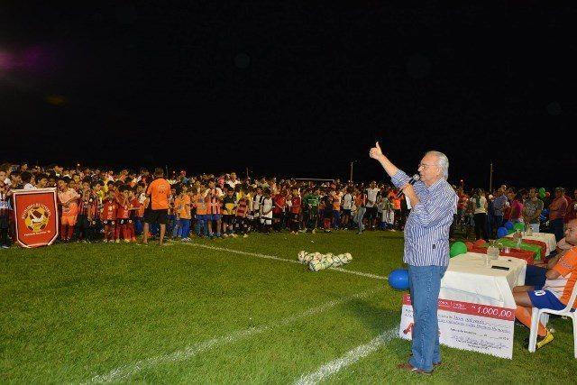 Taça Paraíso de Futebol Society é disputada por mais de 2 mil atletas