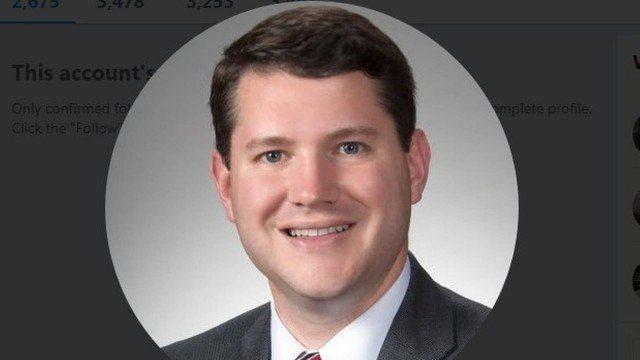Deputado anti-LGBT renuncia após flagra de sexo com homem no gabinete, nos EUA