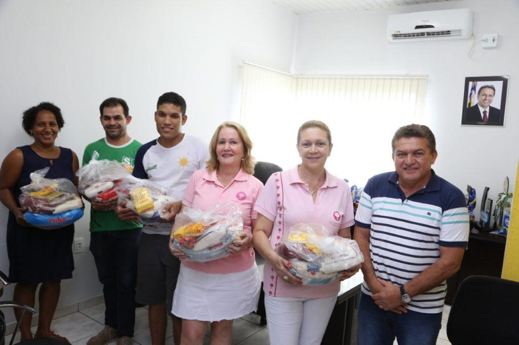 Superintendência de Esportes entrega alimentos arrecadados nos Jogos dos Servidores a entidades de Palmas