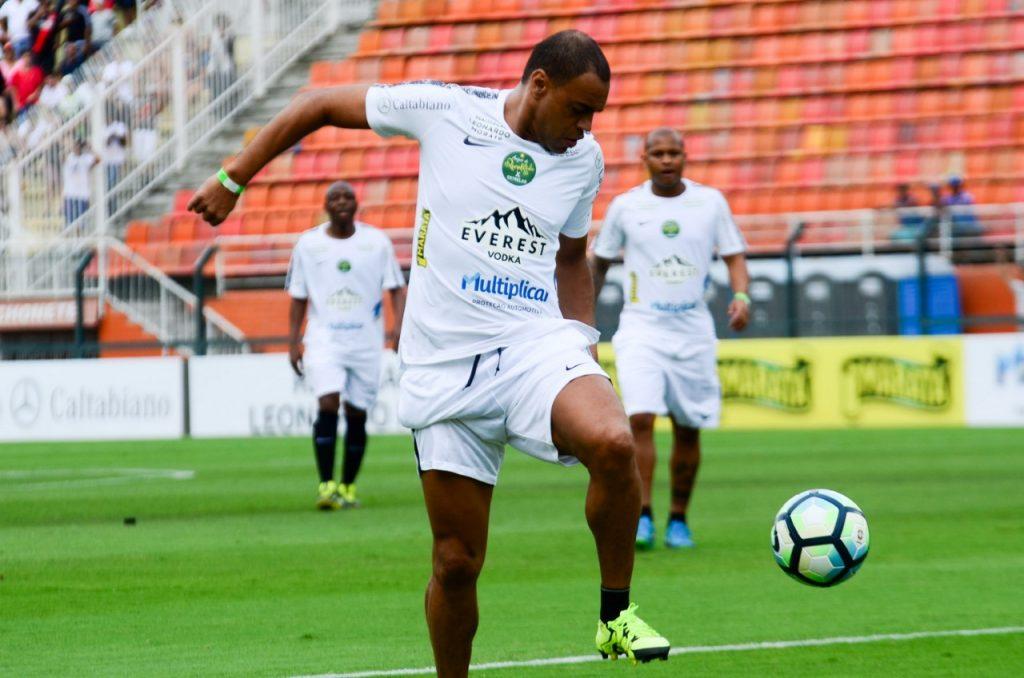 Denilson, Mc Gui, Mc Livinho, Felipe Araújo, Whinderson Nunes, e outros famosos participaram do jogo festivo de Ronaldinho Gaúcho em SP