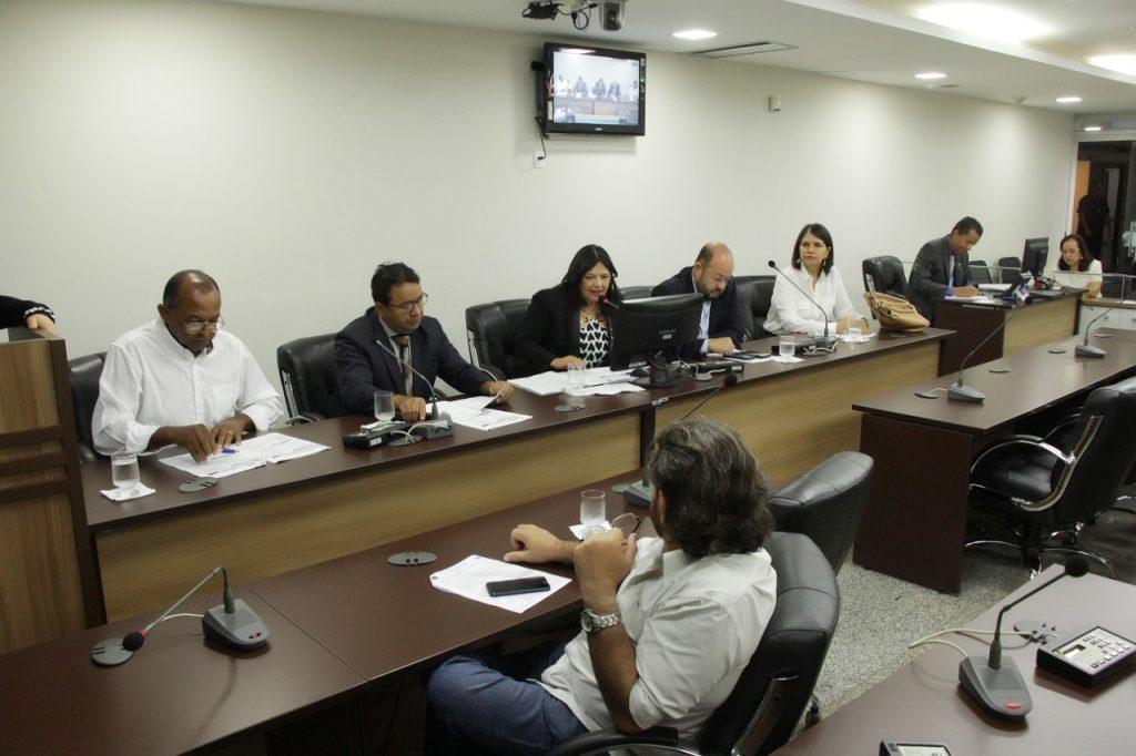 Comissão da AL discute adequação do Conselho Estadual de Saúde