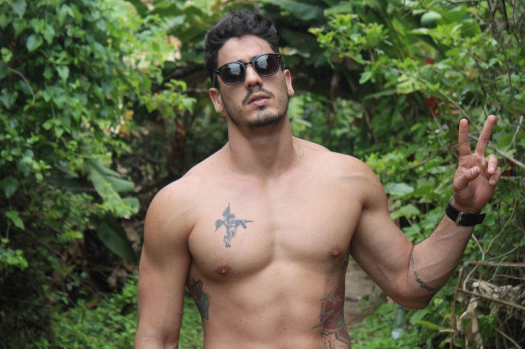 Modelo e lifestyle Caio Caiera revela romance com atriz do SBT