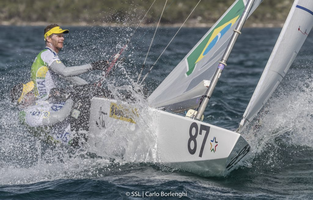 Scheidt sofre punição, mas se mantém no top 10 do evento-teste para Olimpíada de Tóquio