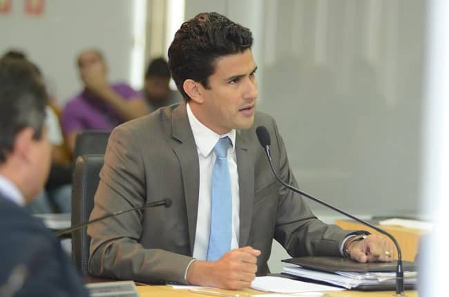 """""""Desesperada, velha política se faz de vítima, mas povo não esquece do Igeprev e das fraudes no Estado"""", diz Andrino"""
