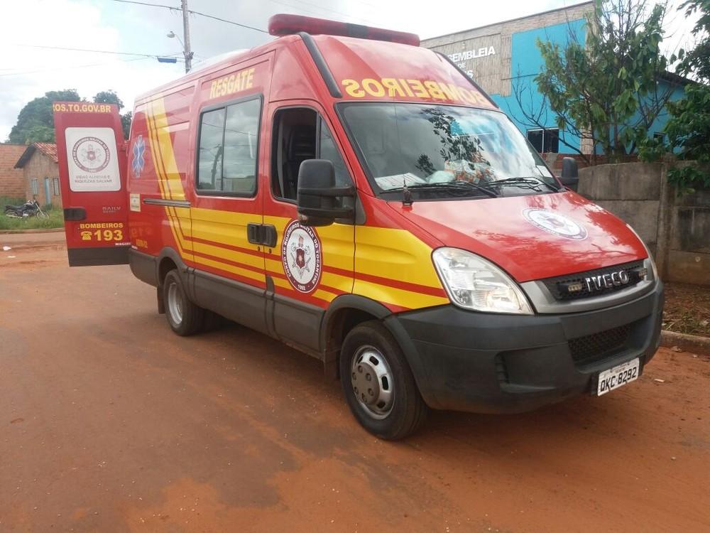 Motociclista fica ferido após bater em carro no trânsito de Araguaína