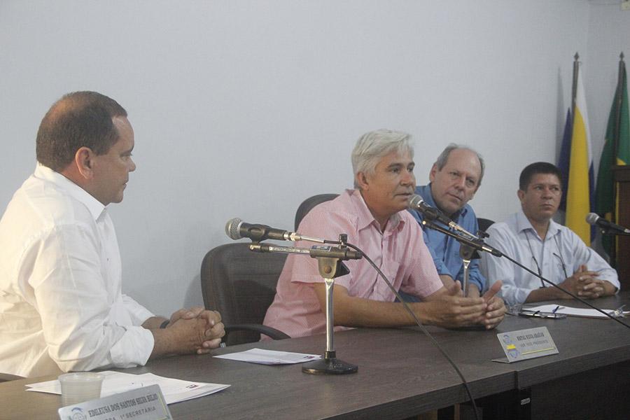 Ao lado de Vicentinho Alves, Dimas recebe respaldo total do prefeito de Wanderlândia