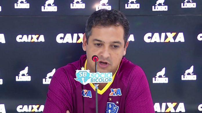 Paysandu dispensa técnico Marquinhos Santos e terá outro treinador contra o Interporto