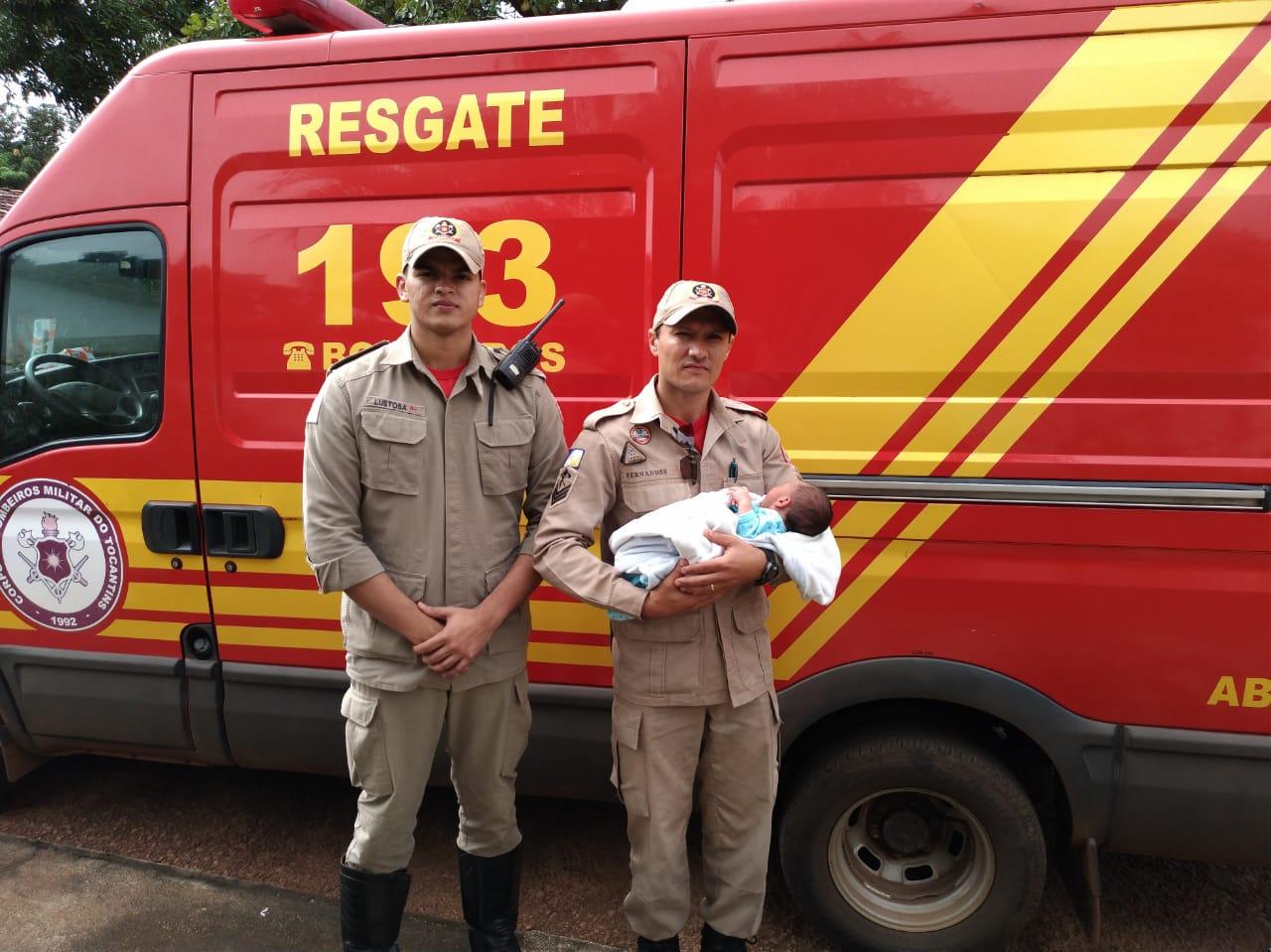 Bombeiros ajudam a salvar bebê engasgado em Paraíso
