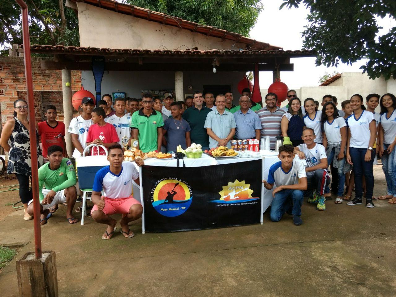 Prefeito Joaquim Maia participa de café da manhã com equipe de canoagem portuense e reforça parceria