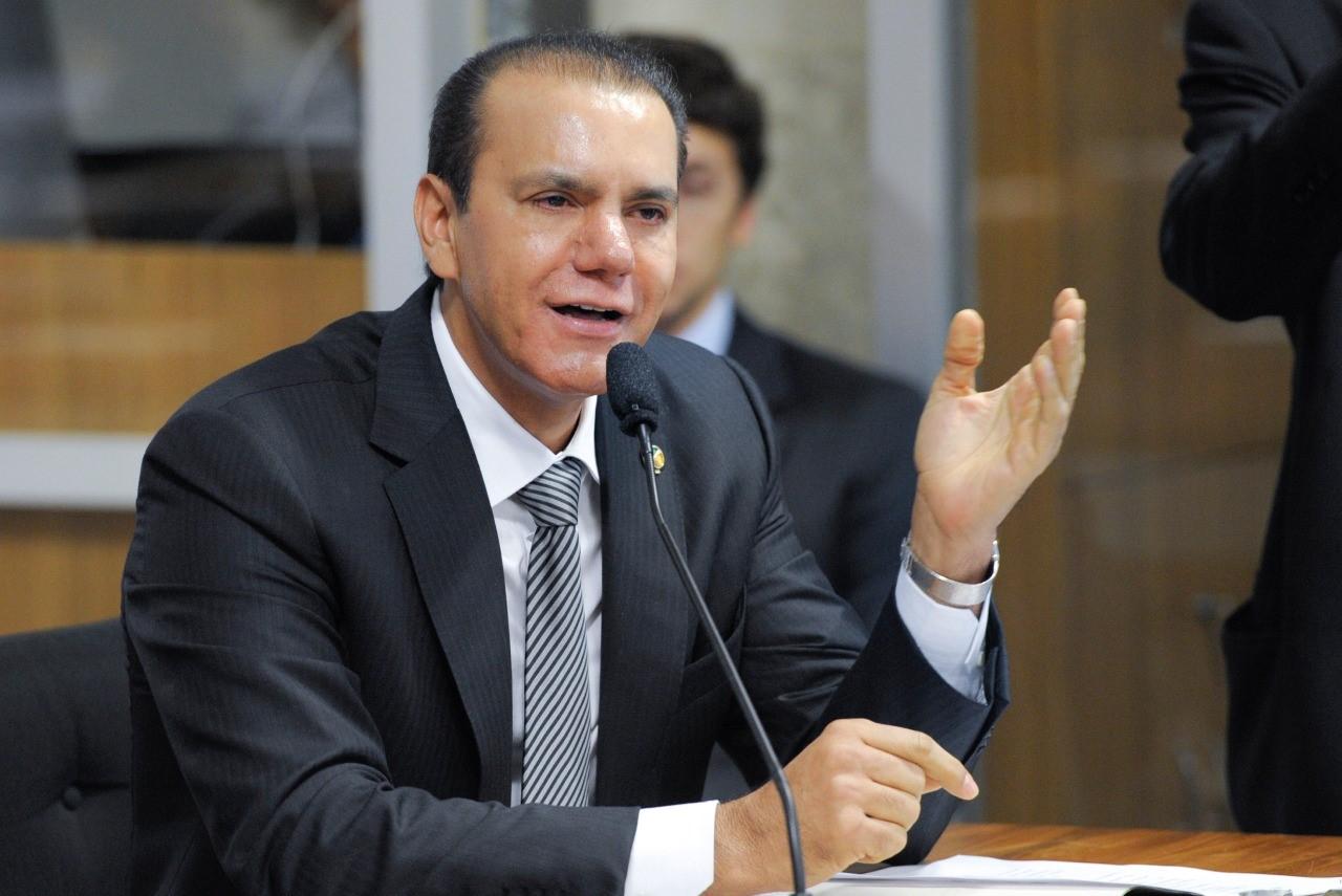 Senador Ataídes Oliveira prestigia ato de filiações ao PSDB em Gurupi