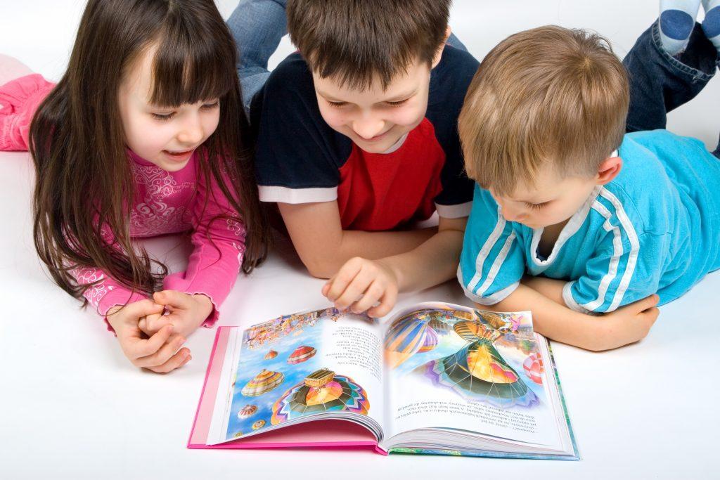Especialistas e autores discutem a literatura infantojuvenil em ações de comemoração dos 50 anos da Editora Moderna