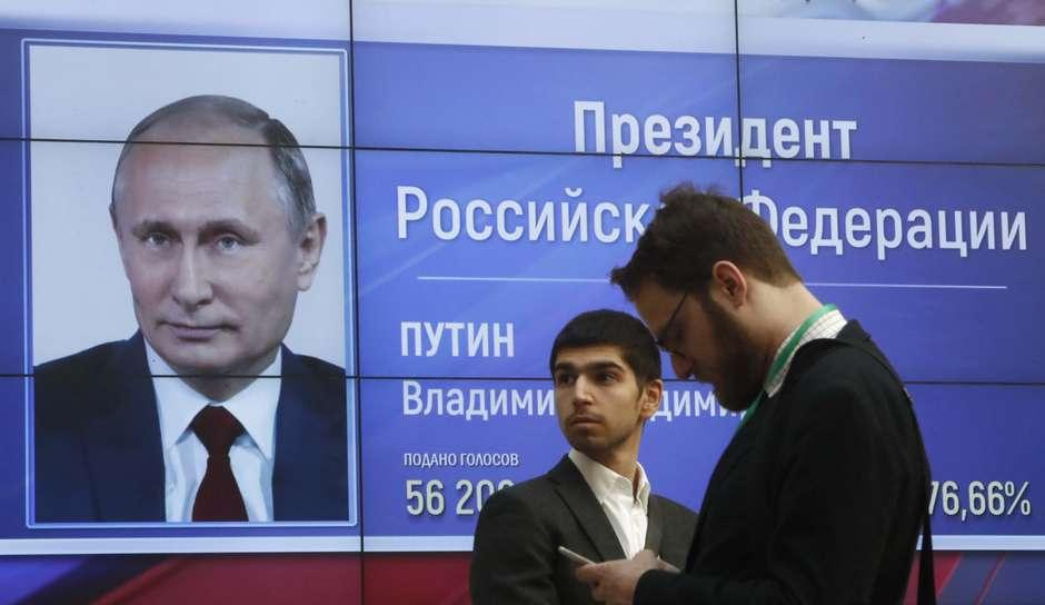 Putin é reeleito na Rússia com recorde de 76% dos votos