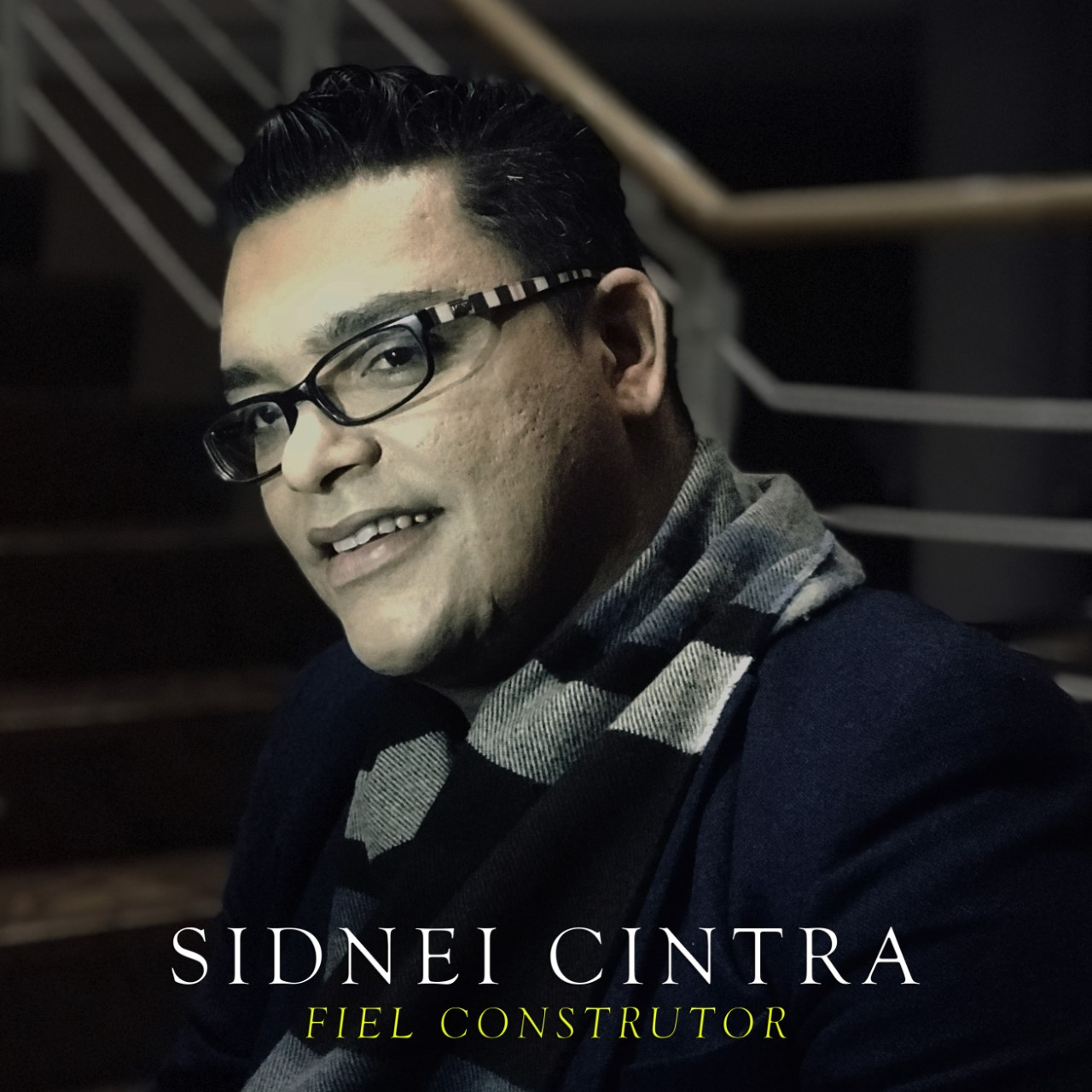 Sidnei Cintra, ex-cavaquinista de Almir Guineto e Turma do Pagode, pastoreia igreja na Europa e lança seu primeiro single após 18 de conversão