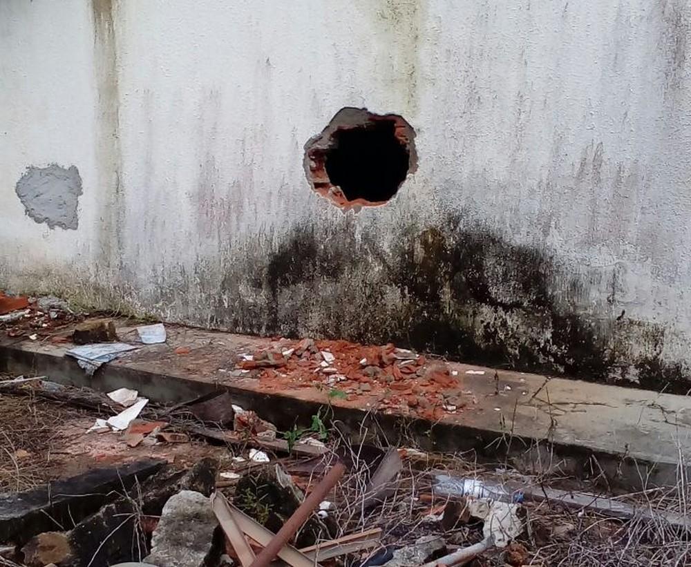Criminosos abrem buraco em parede e invadem agência dos Correios de Caseara