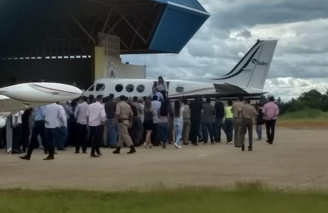 Marcelo Miranda chega ao Tocantins um dia após ter mandato cassado pelo TSE