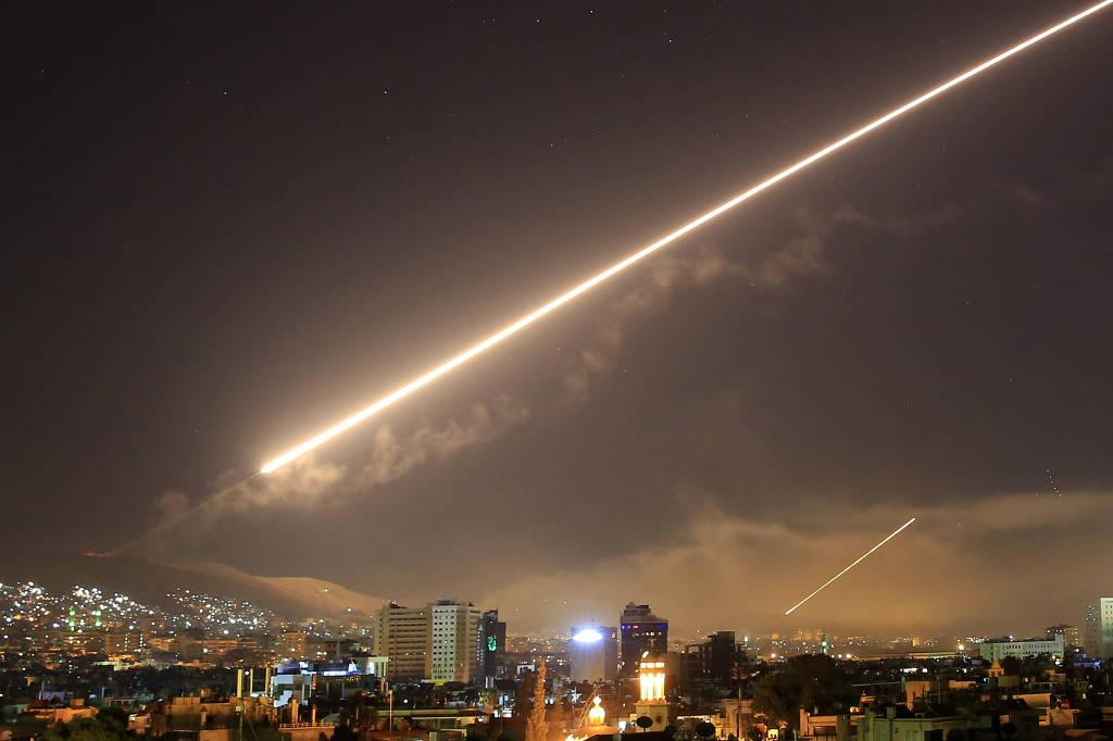 Conselho de Segurança da ONU convoca reunião para discutir ataque à Síria