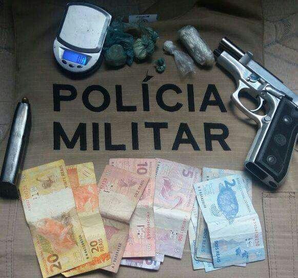 8º BPM prende homem por tráfico e porte ilegal de arma e mulher por receptação em Divinópolis