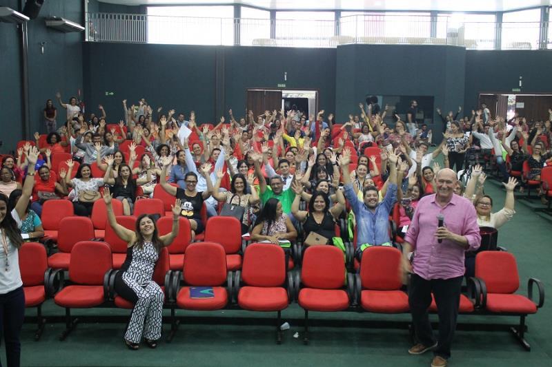 Analfabetismo emocional é debatido em Palmas