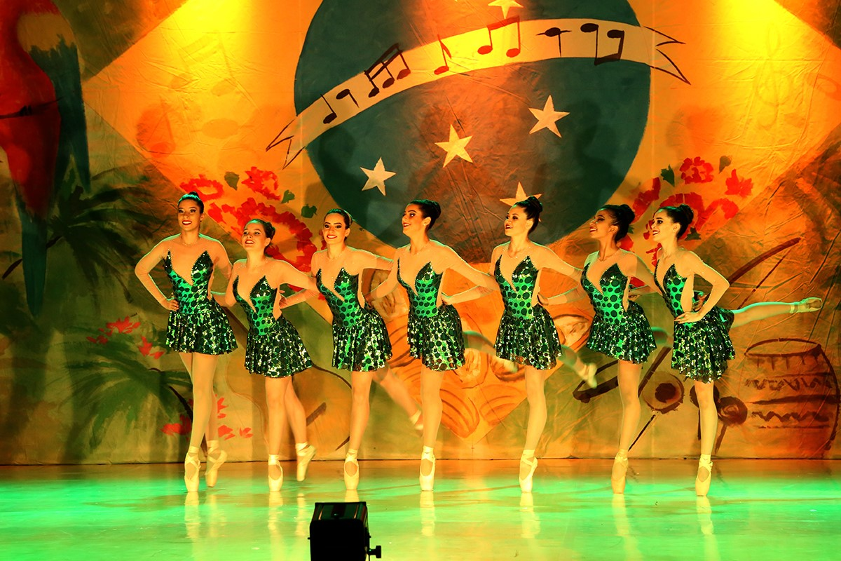 Balé Popular do Tocantins apresenta diversos ritmos de dança e agrada público no final de semana em Palmas