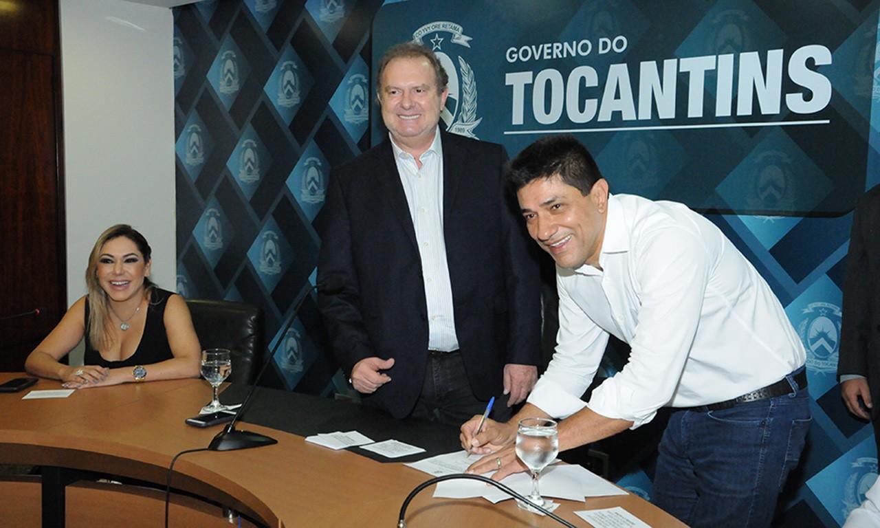 Governador Mauro Carlesse empossa subsecretário do Desenvolvimento Econômico