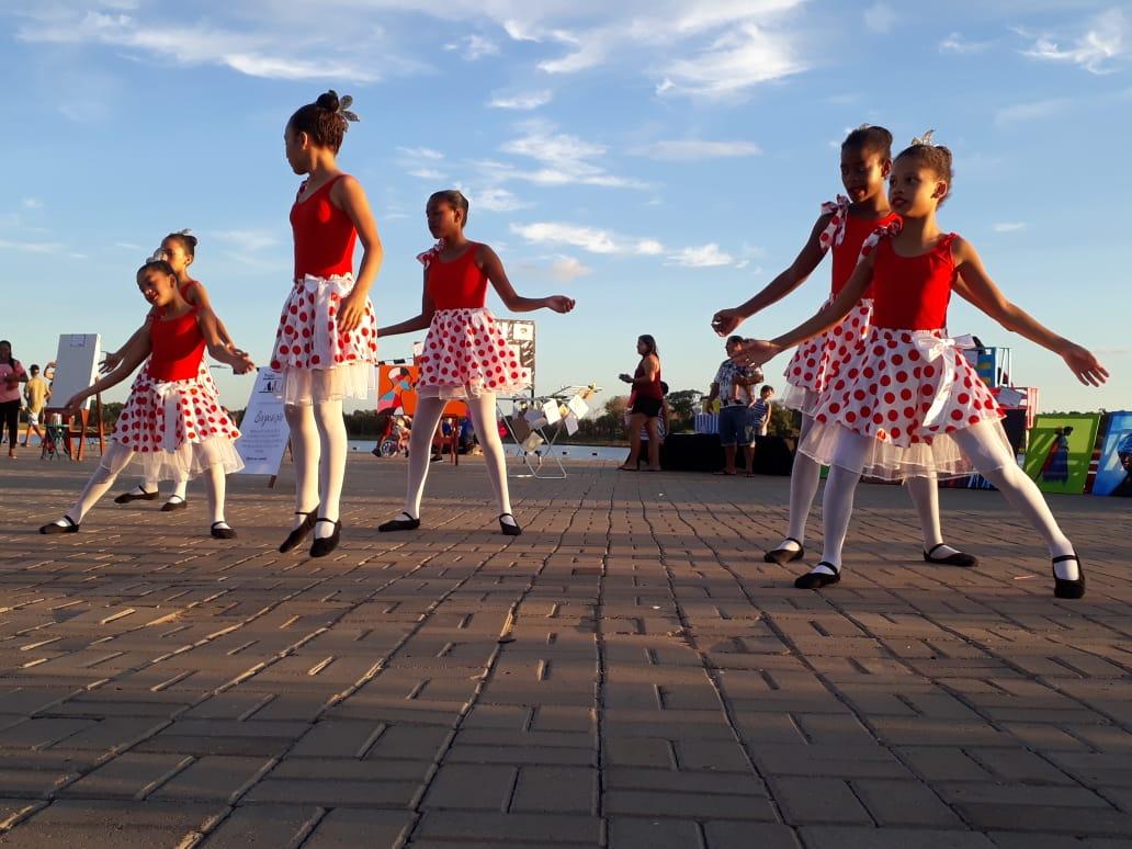"""Educação Infantil leva projeto """"Arte por toda parte"""" à Via Lago"""