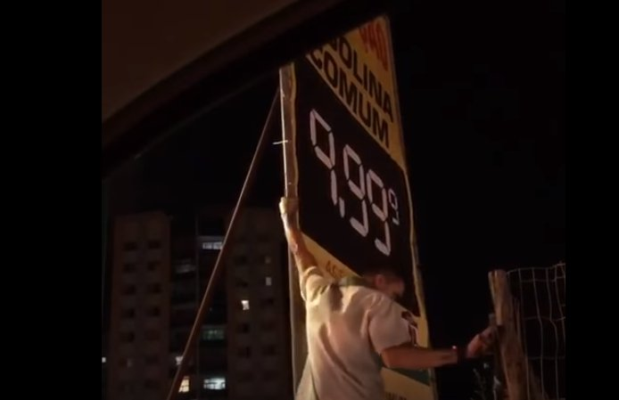 Postos cobram até R$ 9,99 pelo litro da gasolina em Brasília