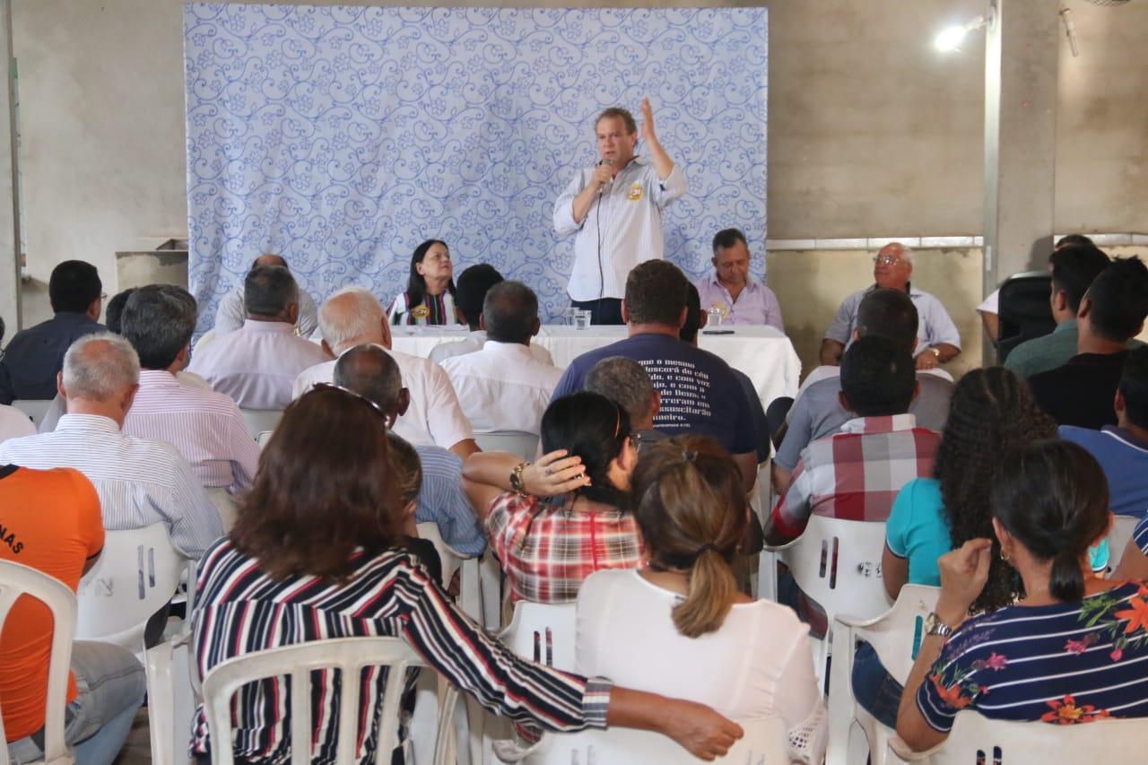 Em Porto Nacional, Carlesse defende discussão, na hora certa, sobre industrialização do Estado