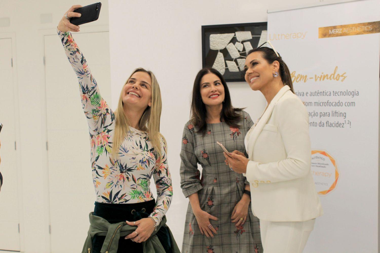 Zilu Camargo, Solange Frazão e Milene Domingues participam de 'Coffee Break' em clínica médica em SP
