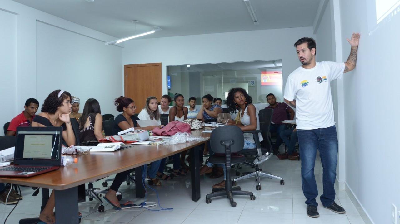 Jovens que são capacitados pelo Inova Jovem Palmas desenvolverão plano de negócios e receberão consultoria