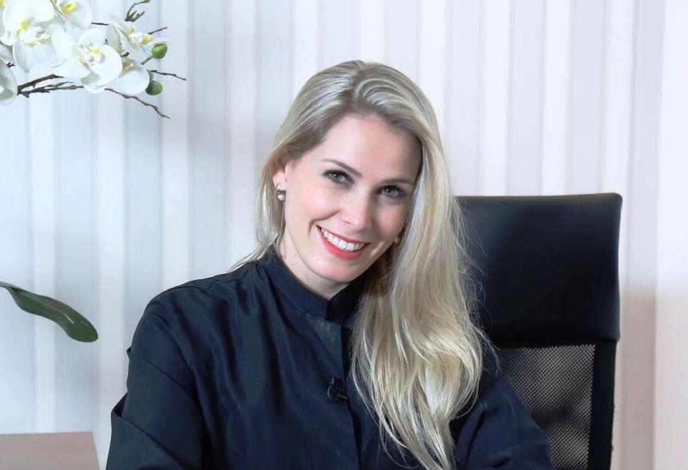 Dra.Talita Rodrigues é a dentista responsável pelo sorriso de Valesca Popozuda e Mc Pocahontas