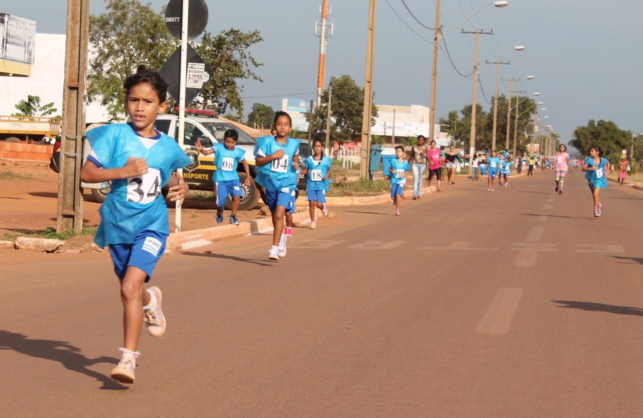 V Mini Maratona promovida pela Escola Municipal Lúcia Sales acontece neste sábado, 19
