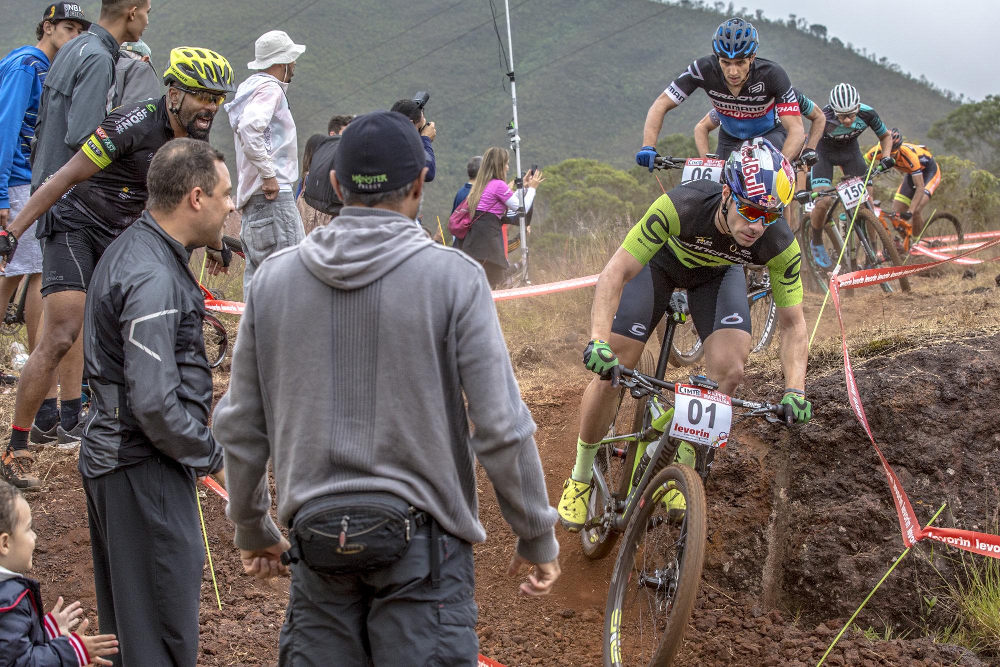 Letícia Cândido e Henrique Avancini lideram XCC e levam a melhor em Ouro Preto na CIMTB Levorin
