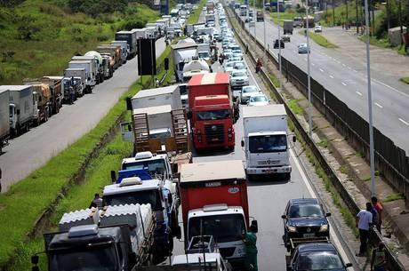 Caixa Econômica renegociará dívidas de caminhoneiros