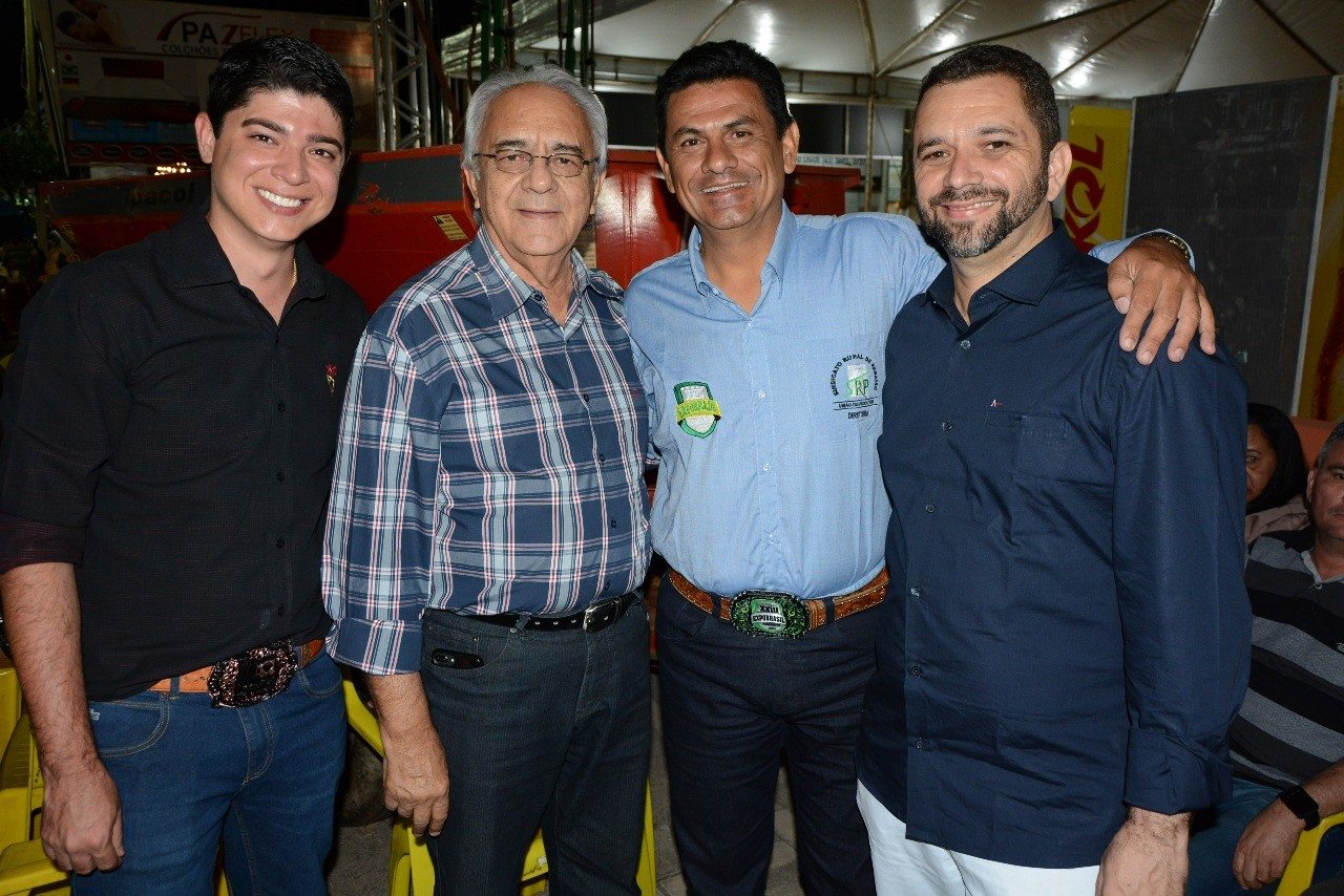 Prefeito Avelino e vice Celso Morais prestigiam ExpoBrasil 2018