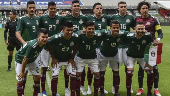 Resultado de imagem para Copa do Mundo: 'festa de despedida' do México tem 30 prostitutas e acaba em escândalo, diz revista