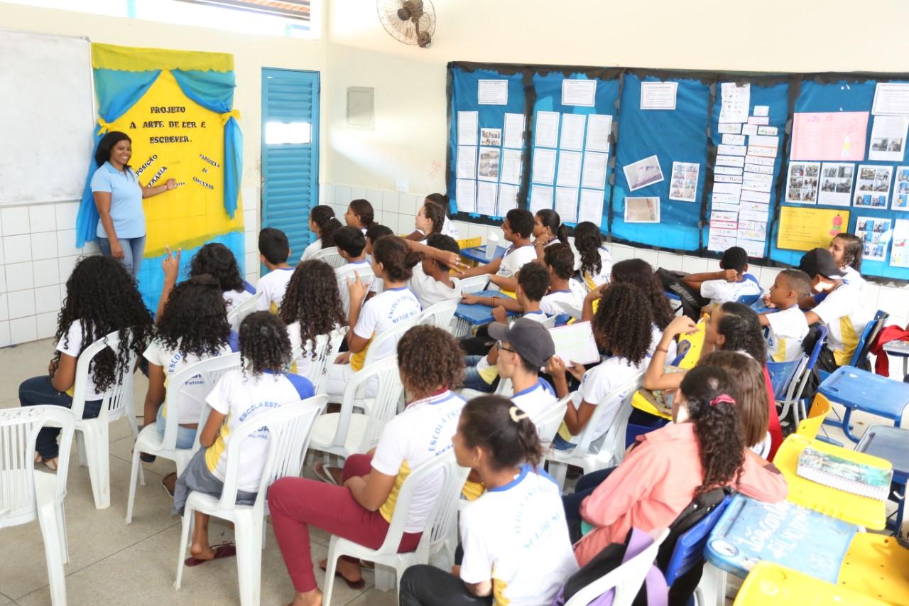 Escola Estadual do Setor Sul promove festa para celebrar os 25 anos de criação