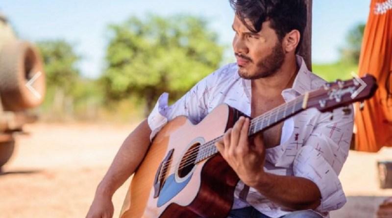 Marcelo Martins, ex-parceiro de João Lucas, faz shows na Europa e apresenta música nova no instagram