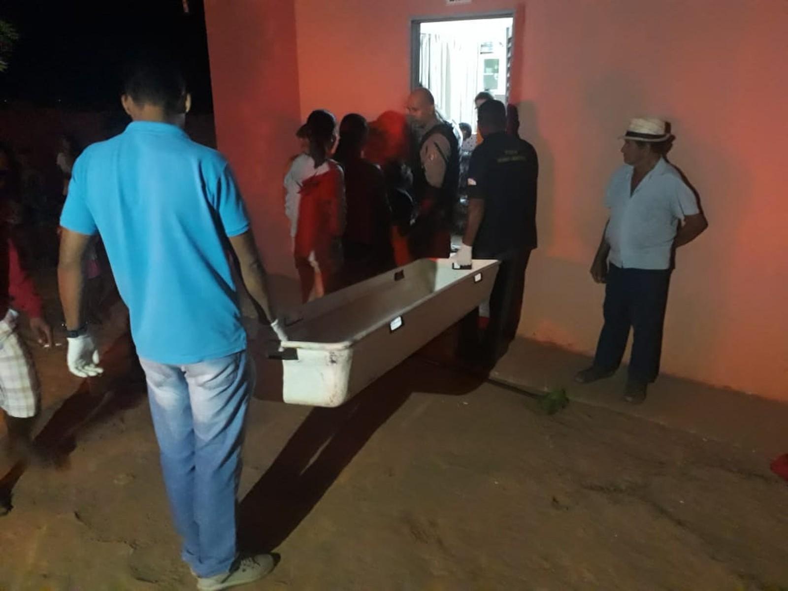 Criminosos invadem casa e executam dois irmãos durante madrugada em Araguaína