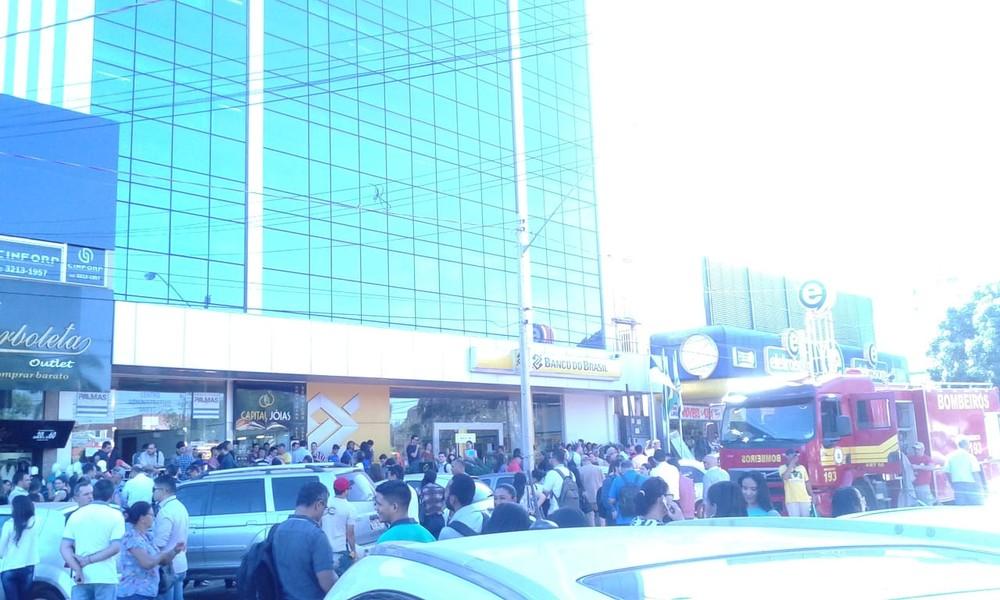 Prédio da Prefeitura de Palmas é evacuado após suspeita de fogo em elevador
